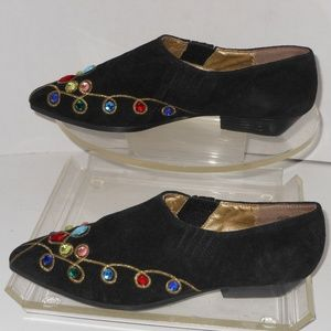 NEW YORK TRANSIT BLACK SUEDE JEWELED SHOES SIZE 8